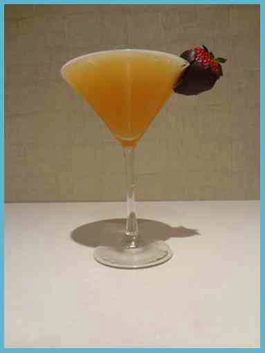 Signature Cocktails: Wedding Cake Martini