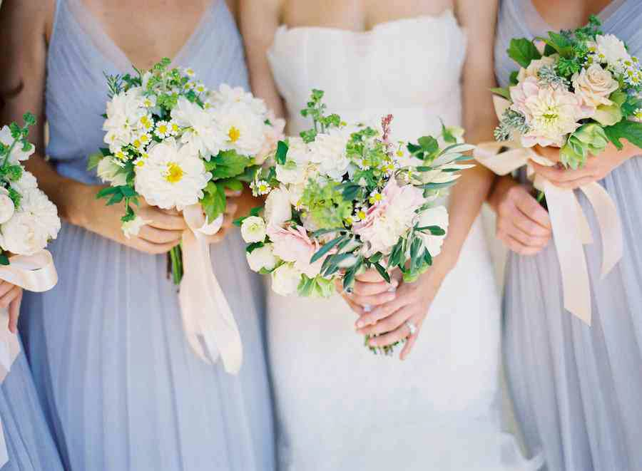 spring-bridal-bouquet-wedding-flowers-for-bridesmaids-white-green-pastels.original