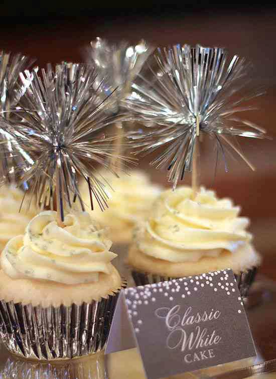 Cupcake Wedding Cake with Sparklers, Too Cute !