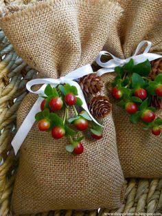 here are some miscellaneous christmas wedding favors that are equally as creative as they are cute from mini trees that every guest can take home to candy - Christmas Wedding Favors