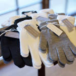 winter-wedding-favors-gloves-live-view-studios