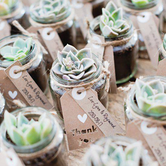 5 Green Wedding Decorations That Will Leave You Speechless: Rustic Wedding Favors