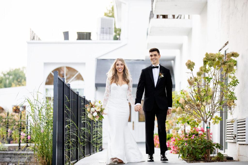 Couple at Glen Sanders Mansion